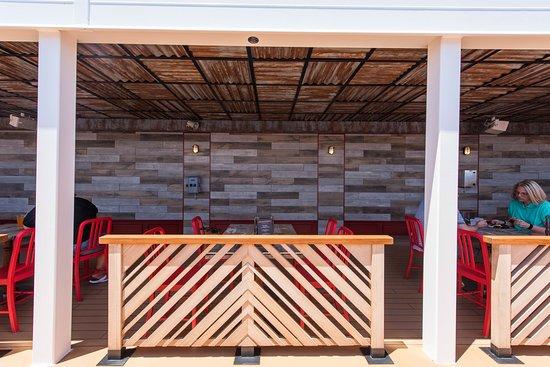 Guy's Pig & Anchor Bar-B-Que Smokehouse | Brewhouse on Carnival Horizon