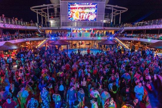 Mega Deck Party on Carnival Horizon