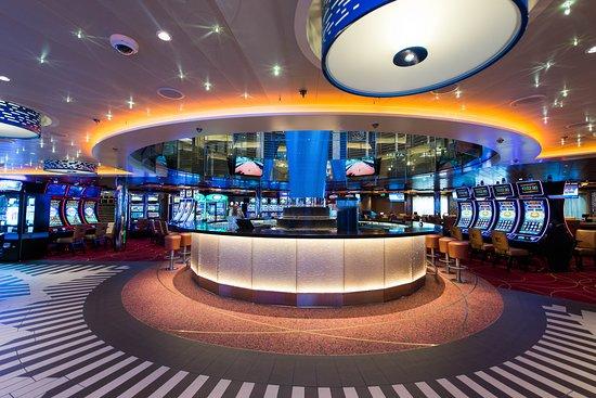 Casino Bar on Carnival Horizon