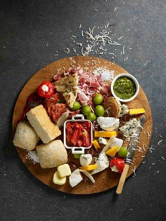 Winestone Cold Cuts Cheese Platter