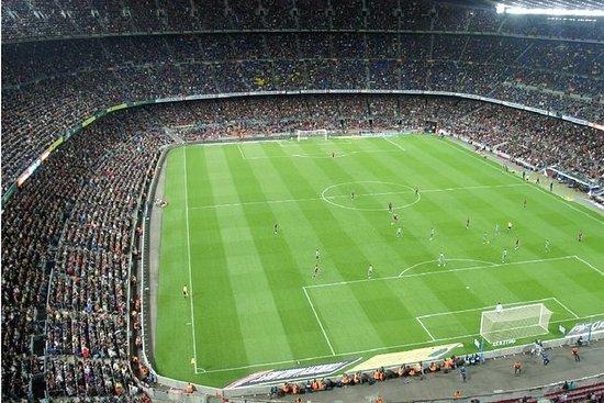 Recorrido futbolístico en Milán...