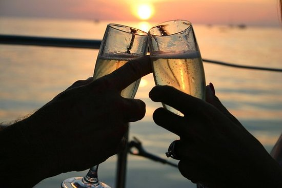 Champagne feiring Sunset Cruise