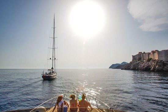 Private boat tours in Dubrovnik: Hidden...