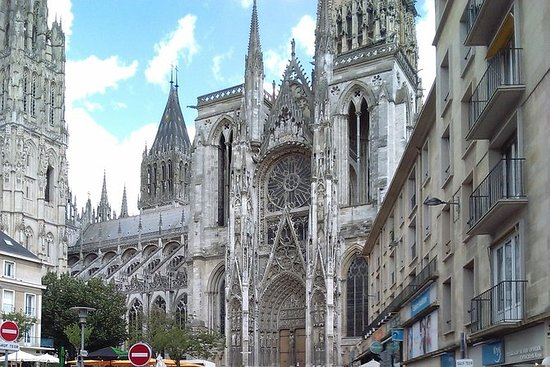 Private Tour: Rouen, Bayeux, and...