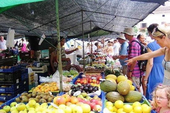 观光游船和Andratx市场参观马略卡岛