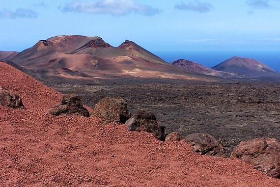 Lanzarote Day Trip with Lunch from Fuerteventura