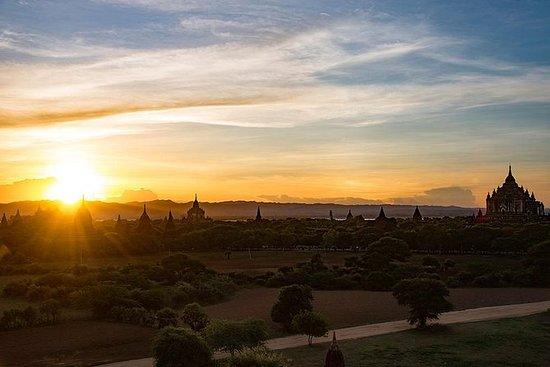 Solnedgangsmiddag på Bagan...