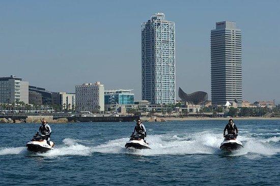 巴塞罗那的法拉利驾驶和水上活动