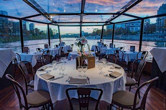 Romantisk Middag Cruise med Champagne
