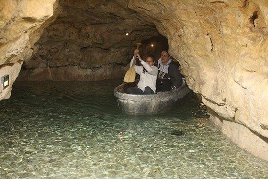 タポルツァ洞窟湖と城ツアープライベート