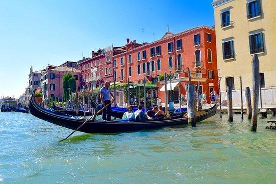 Venecia desde Roma en tren de alta...