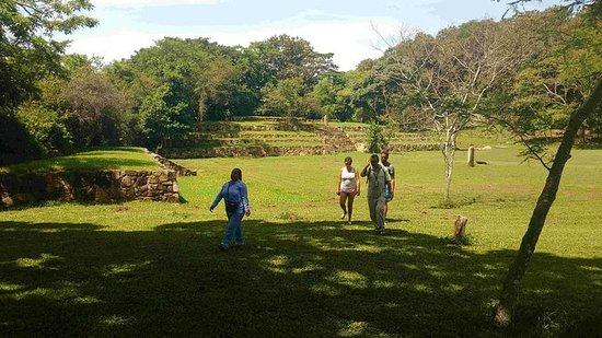 5小时新考古Tehuacalco遗址距离阿卡普尔科只有60分钟的午餐时间