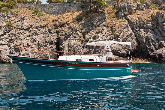 Crucero privado de 1 día por la costa...