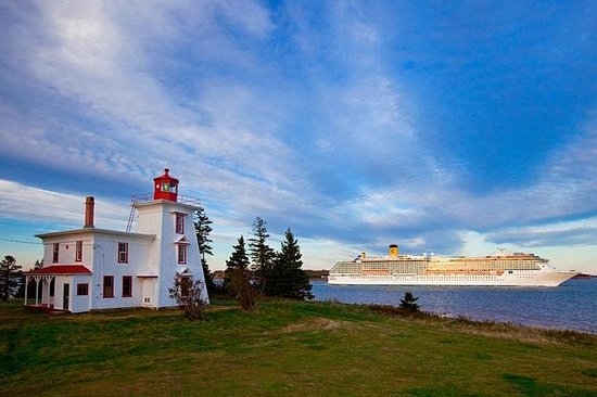 Island Scenic & Anne of Green Gables...