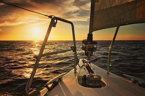2小时私人日落帆船巡航