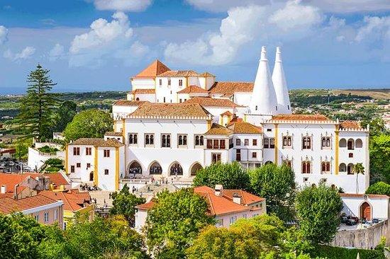 Le Palais national de Sintra avec...