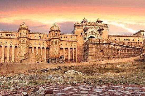 Delhi Jaipur Delhi Privat helgedagstur...