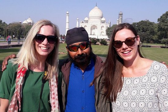 Private Taj mahal day tour with various...