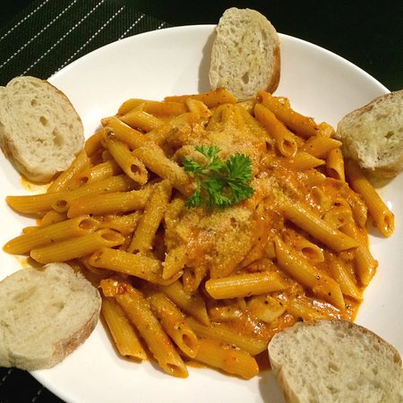 PENNE ALLA VODKA - Penne pasta in tomato cream sauce.  Served with garlic crostini. ***Vegetarian Friendly