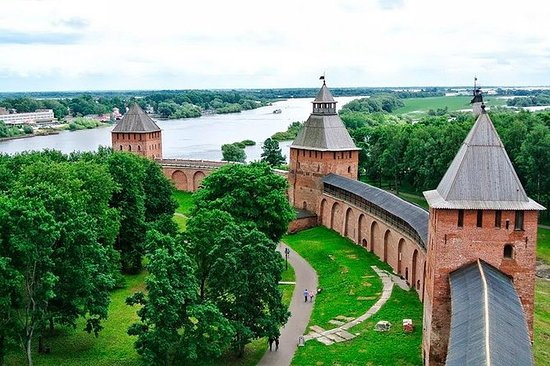 Kombinert tur: Veliky Novgorod City...