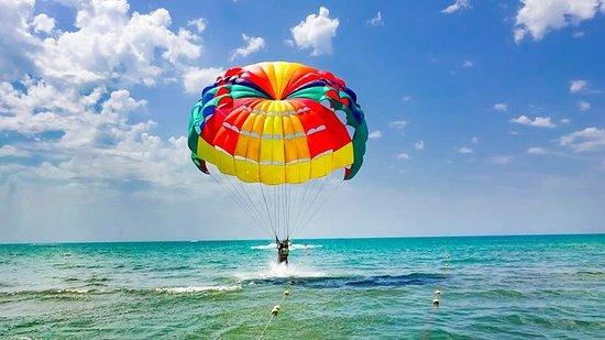 Incroyable voyage en parachute...
