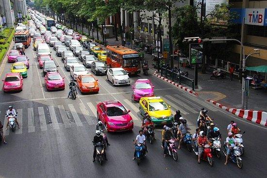 Criss krysser gjennom Bangkok og Jim...