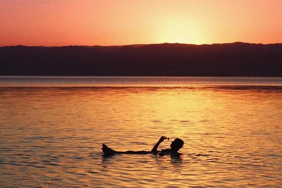 Madaba, dåpssted og Dødehavet fra...