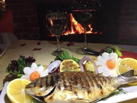 Turkuaz Beach Otel & Restaurant Canlı Müzik Eşliğinde Şömine Başı Balık Keyfi...