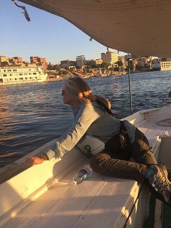 Felucca Fahrt auf dem Nil in Assuan: Felucca sailing on the Nile in Aswan ...