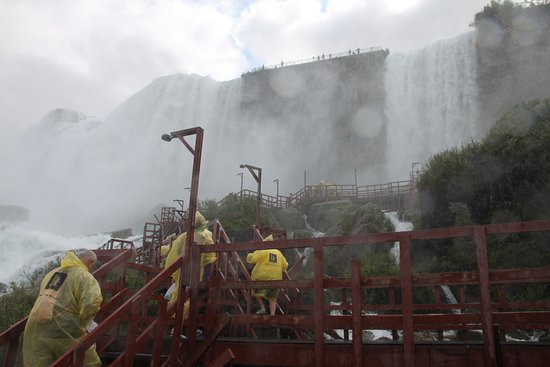 Niagara Falls in One Day: Deluxe Sightseeing Tour of American and Canadian Sides: Caves of the Winds Tour