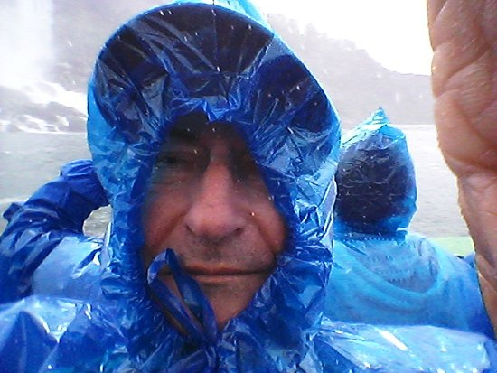 Niagara Falls in One Day: Deluxe Sightseeing Tour of American and Canadian Sides: Yes, I am having fun on the Maid of The Mist