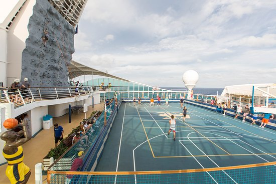 Sports Court on Navigator of the Seas
