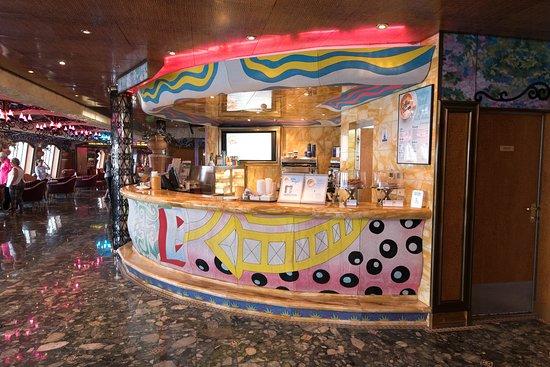 Jardin Cafe on Carnival Liberty