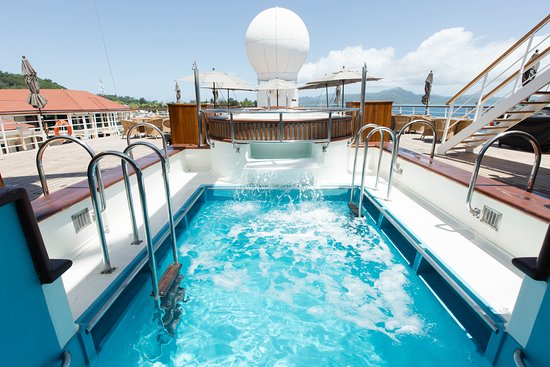 The Saltwater Pool and Hot Tub on Wind Spirit