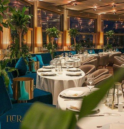 Каждый, будучи в Баку, должен побывать в Nur.by Eleven, попробовать неповторимые блюда азербайджанской кухни и послушать самые лучшие музыкальные произведения в живом исполнении популярных певцов.