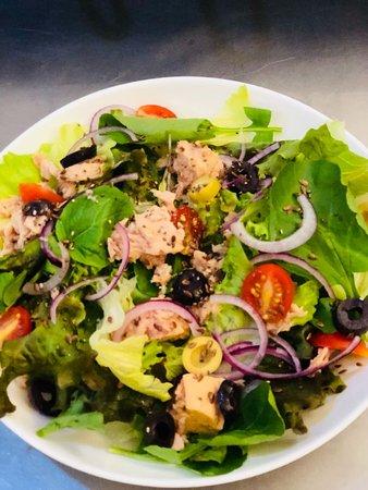 Magg Cafe Copan: Salada de folhas com atum