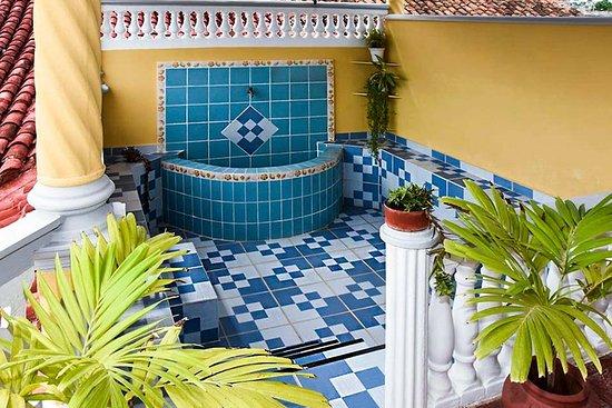Gibara, Küba: Fountain in the resort