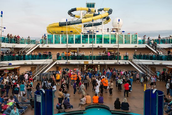 Sail-Away Party on Carnival Dream