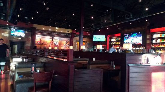 BJ's Restaurant & Brewhouse: Interior ...