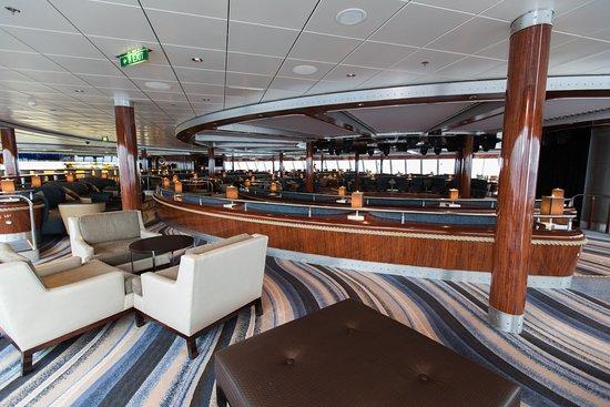 Spinnaker Lounge on Norwegian Gem