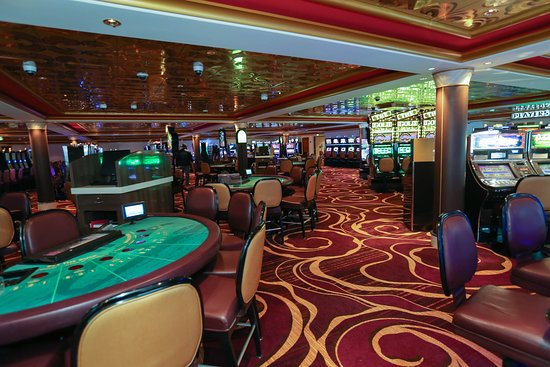Gem Club Casino on Norwegian Gem
