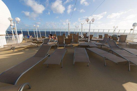The Freestyle Sun Deck on Norwegian Gem