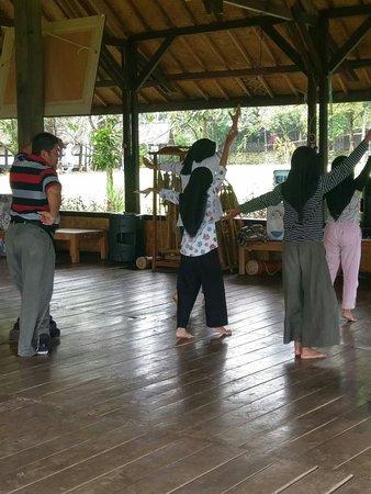 Welcome to the world of unique and spectacular private tours in Jakarta,Bogor,Bandung,Yogyakarta,Surabaya,Malang,Banyuwangi