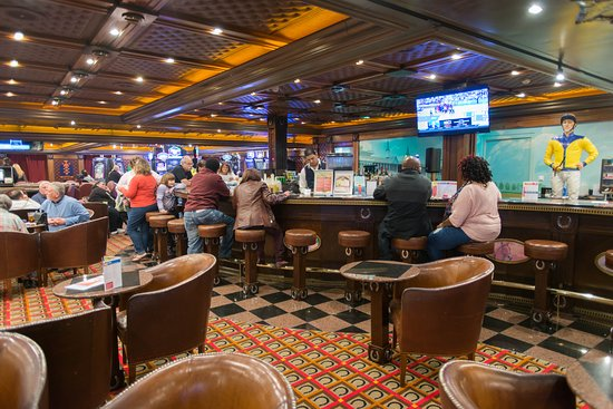 The Winners' Club Casino Bar on Carnival Pride