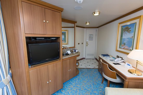 The Suite with Balcony on Crown Princess