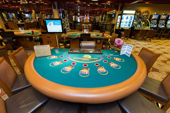 Gatsby's Casino on Crown Princess