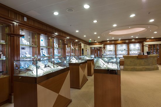 Facets on Crown Princess