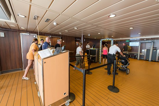 Gangway on Norwegian Escape