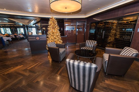 Prime Meridian Bar on Norwegian Escape