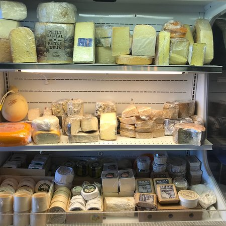 Dripping Springs, TX: Somm proudly brings you a wide range of domestic and imported cheeses, meats and wines produced by artisan, family-owned businesses.